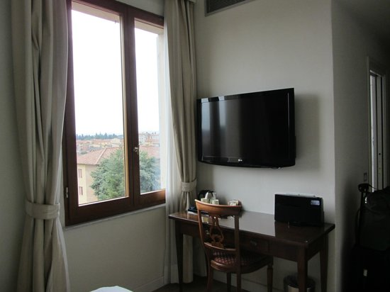 Hotel Italia: Window with a view