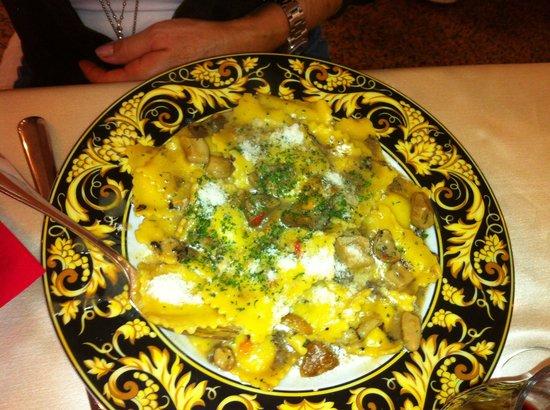 La Masseria: Ravioli ricotta e tartufo ... Prestigiosi