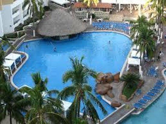 El Cid Castilla Beach Hotel: esta es la alberca hay mas
