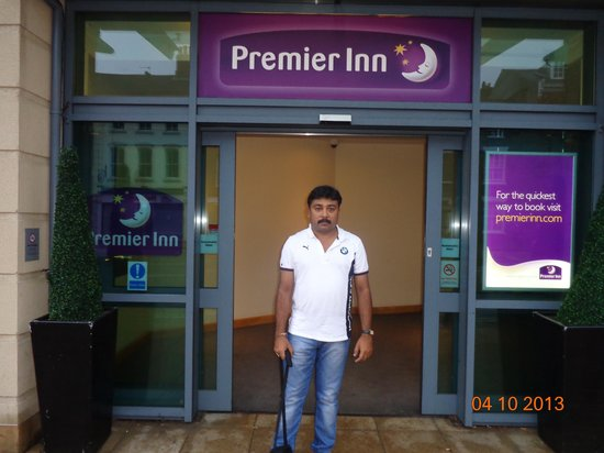 Premier Inn York City (Blossom St South) Hotel: In-front of The Hotel