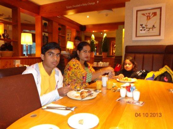 Premier Inn York City (Blossom St South) Hotel: My family having Breakfast