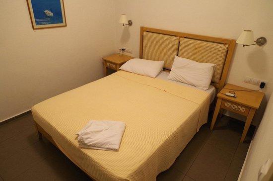 Anna Plakias Apartments : вид спальни