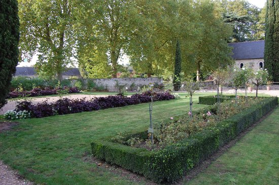 Prieuré Saint-Cosme: jardin