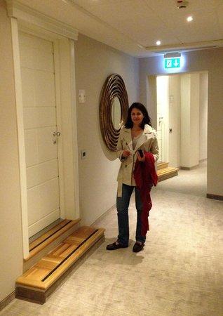 Firenze Number Nine Wellness Hotel: Our suite door and hallway!