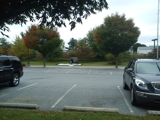 Sleep Inn & Suites Lancaster County : parking lot with the amish caravan