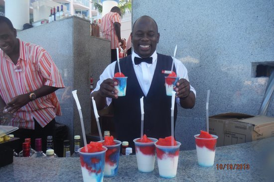 Hotel Riu Palace Paradise Island: The Superman Drink!