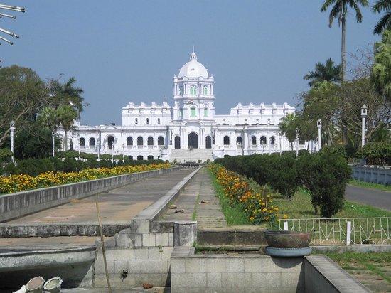 Agartala, Hindistan: The beautiful royal palace