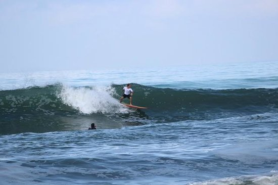 The Chillhouse - Bali Surf and Yoga Retreats: Surfing Pig Stone Beach