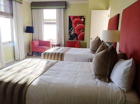 The Scarlet Huntington: Two full-size bed facing the city. Bright and airy.