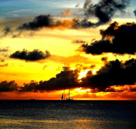 Puerto Viejo de Sarapiqui, Costa Rica: Into the Sunset, Aruba