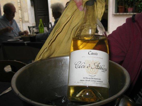 Le Bonaparte: Poisson et vin de Cassis, combinaison parfaite