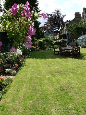 Saxon Villa: Garden