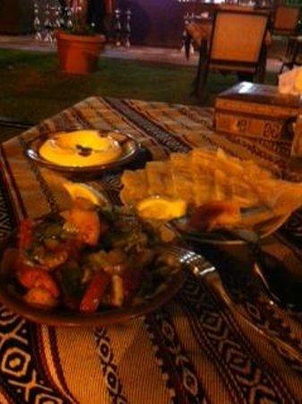 Movenpick Hotel Kuwait: Lebanese Appetizers