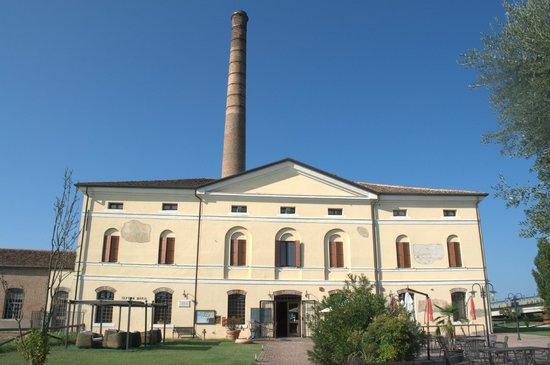 Ristorante Alloggio Ostello Amolara: La vecchia stazione di pompaggio