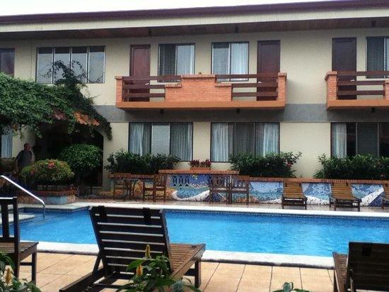 Apartotel La Sabana : Piscina