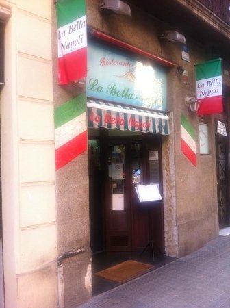 La bella Napoli, Villarroel