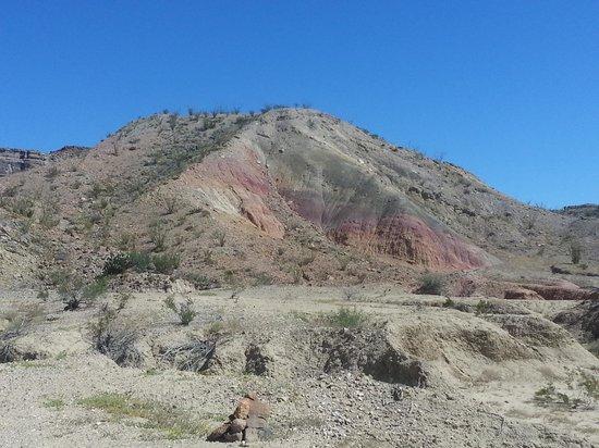Ten Bits Ranch: Surrounding area
