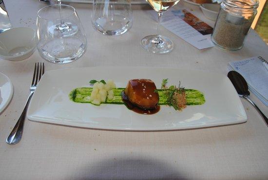 Alameda Restaurant: Butakaku Glaseado con algas, manzana asada y frutos secos