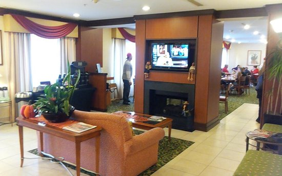 Fairfield Inn & Suites Raleigh-Durham Airport/RTP: Lobby