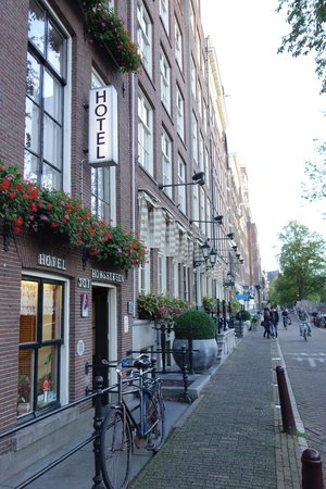 Hotel Hoksbergen: out front
