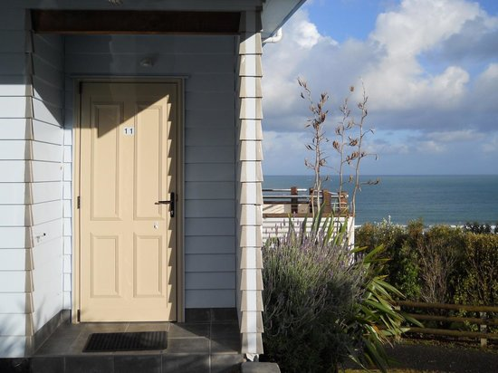 Ahipara Bay Motel: Our room's door. #11 is an end room and very quiet.