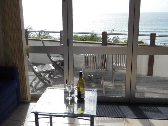 Ahipara Bay Motel : View of the ocean through our windows.