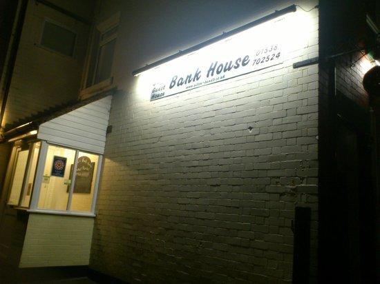 Bank House: Fachada