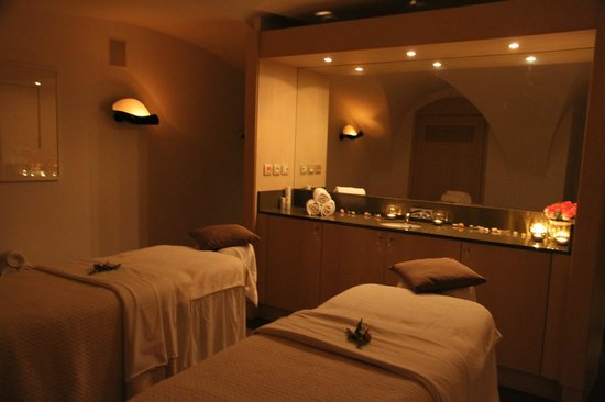 Augustine Spa: and Voila