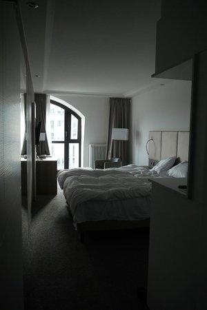 Hotel Erzgiesserei Europe: Komfortdoppelzimmer vom Eingang aus