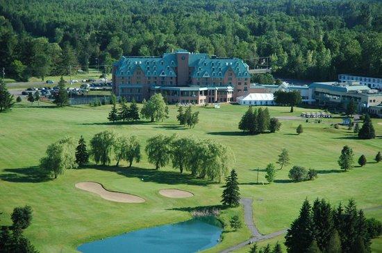 DoubleTree by Hilton Hotel Gatineau-Ottawa: Golf course