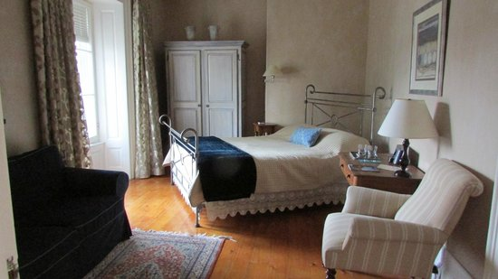 Denaut Mansion Country Inn: guest suite