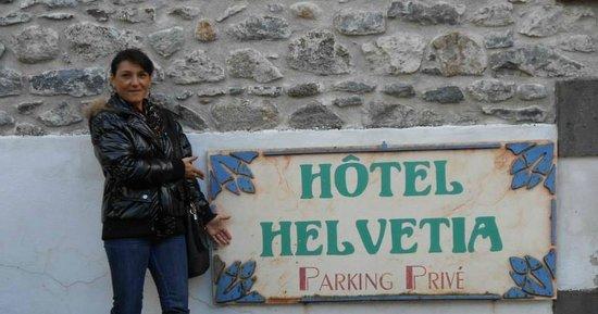 BIENVENU A L HOTEL HELVETIA