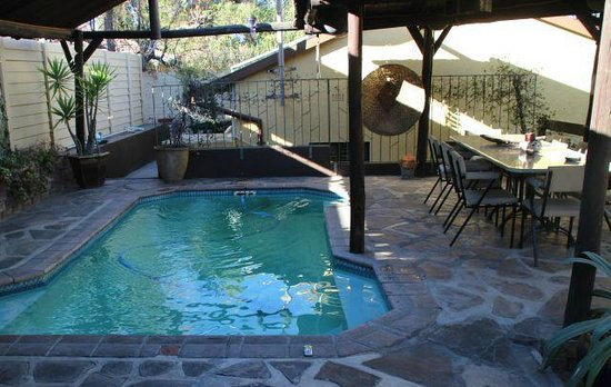 Maison Ambre Guesthouse: Pool