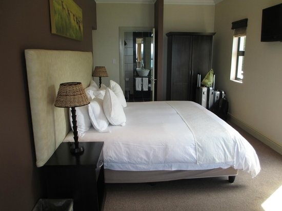 Simonstown Guest House: Very comfortable bed