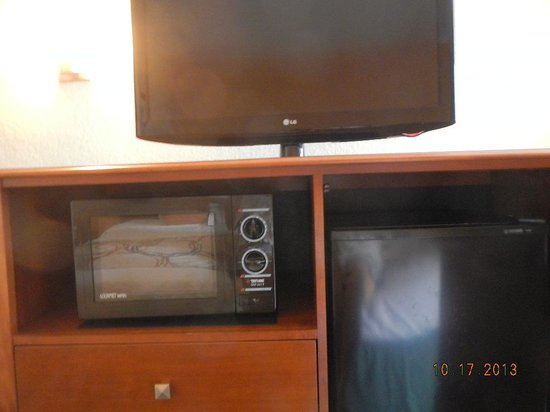 BEST WESTERN PLUS University Inn: tv, fridge, microwave