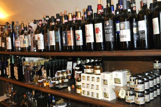 Accademia del Buon Gusto : Wine, wine, everywhere.