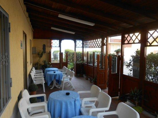 Pensione La Scogliera : veranda