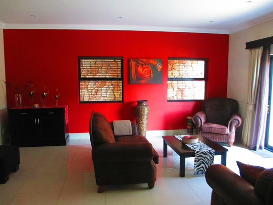Simonstown Guest House: Common lounge area