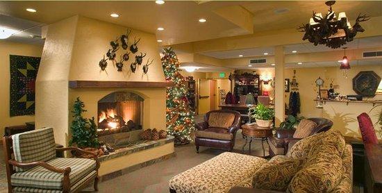 Bavarian Lodge: Hotel Lobby