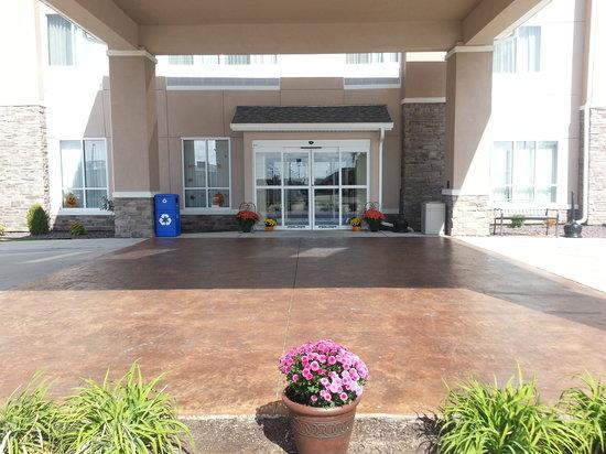 Comfort Inn Marion: entrance