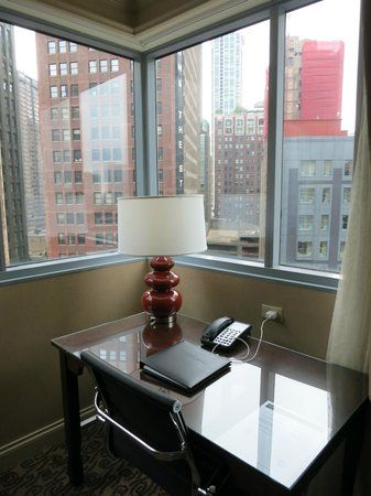 Wyndham Grand Chicago Riverfront: View from room looking south