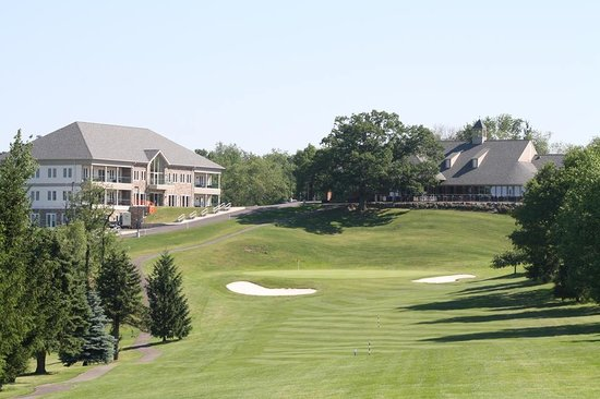 Lenape Heights Golf Resort: Hotel & Clubhouse