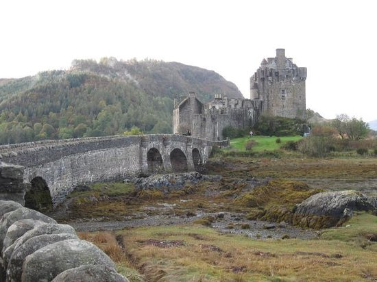 Duke of Gordon Hotel : Eilean Donan Castle. Beautiful