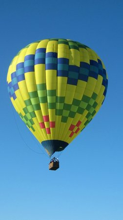Up & Away Ballooning: Clear skies!
