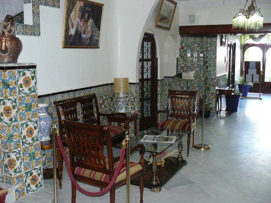 Bou-Saada, Αλγερία: Hall de l'hotel Kerdada