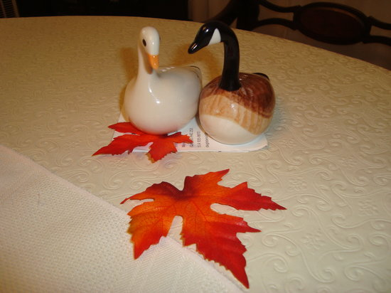 Repos & Manna B & B: Fall season is lovely in Montreal