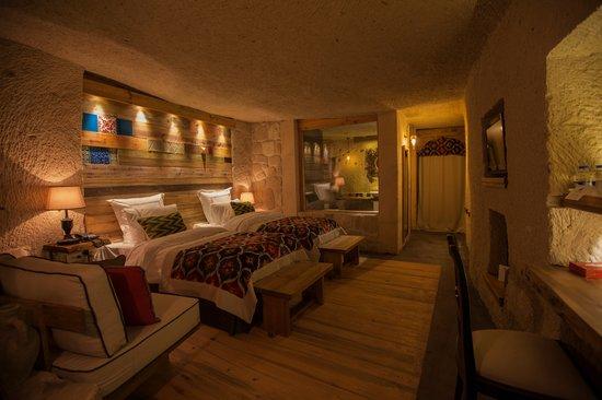 Queens Cave Cappadocia : cave room