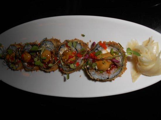 Sakura Japanese Restaurant: Special- Explosion Roll