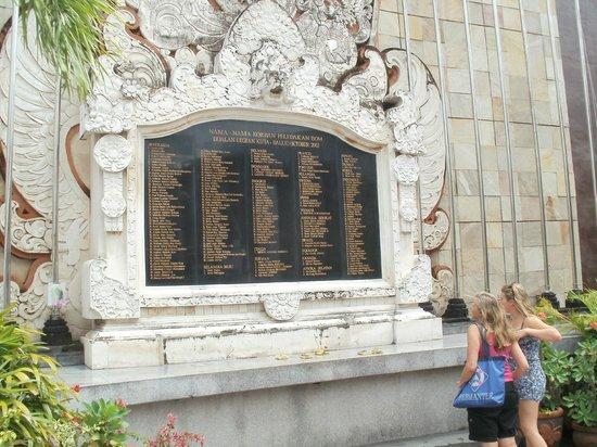 Ground Zero Monument : All those names....