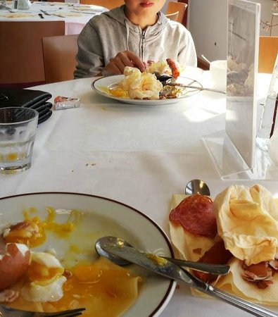 Hotel Vladimir: Breakfast (it was hehe)